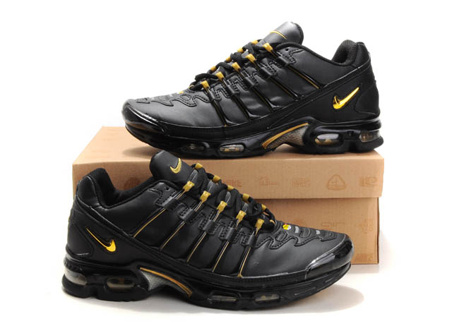 chaussure tn requin taille 39, nike tn italie